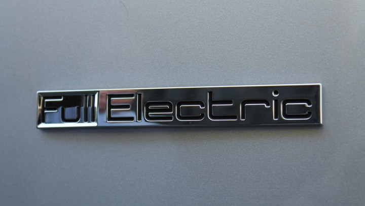 electric-car-629880_1920